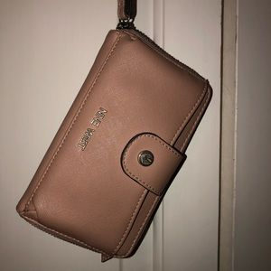 Nine West Wrist Wallet!!